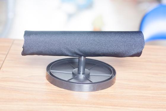 Enduisez généreusement le trou de colle, et emboîtez es deux parties de votre présentoir. Laissez sécher. C'est TERMINE.