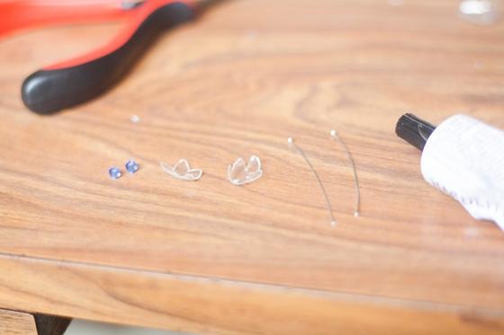 DIY boucles d'oreilles plastique de bouteille 18